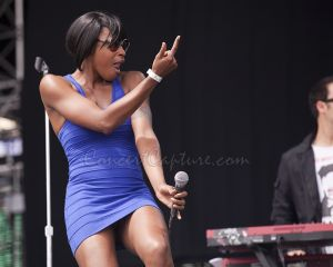 Noelle Scaggs - Fitz and the Tantrums